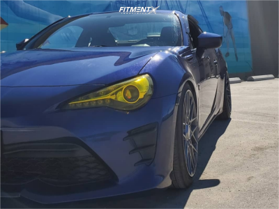 2017 Toyota 86 - 18x8.5 35mm - Rotiform Rse - Coilovers - 225/45R18