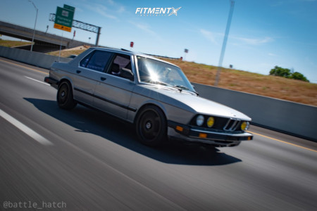 1987 BMW 535i - 18x8.5 35mm - Fifteen52 Chicane - Coilovers - 215/35R18