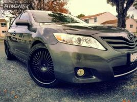 2010 Toyota Camry - 20x8.5 40mm - Venti Plus VE057 - Lowered on Springs - 225/35R20