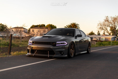 2018 Dodge Charger - 20x10 20mm - Rohana Rfx11 - Air Suspension - 275/40R20