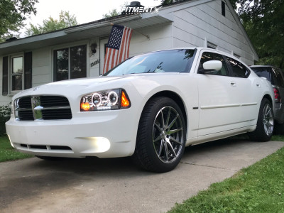 2007 Dodge Charger - 20x9 15mm - Verde Insignia - Stock Suspension - 255/45R20