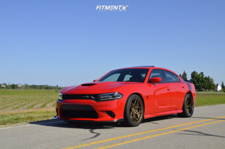 2019 Dodge Charger - 20x10.5 18mm - Rohana Rfx11 - Stock Suspension - 275/40R20