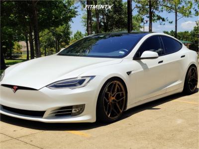 2017 Tesla S - 20x10 25mm - Rohana Rfx11 - Stock Suspension - 255/35R20