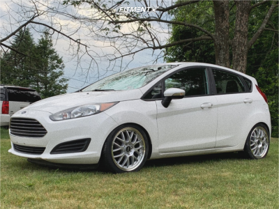 2015 Ford Fiesta - 17x7 45mm - ASA Ar1 - Coilovers - 205/40R17