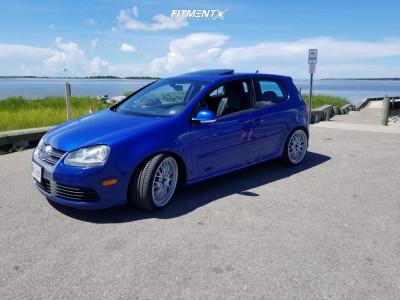 2008 Volkswagen R32 - 19x8.5 45mm - Fifteen52 Holeshot - Coilovers - 235/35R19