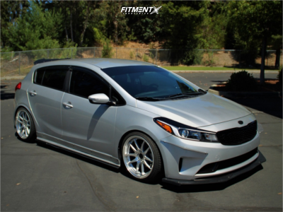 2017 Kia Forte5 - 18x8.5 35mm - Aodhan DS02 - Coilovers - 215/40R18