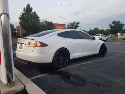2013 Tesla S - 21x9 28mm - Road Force Rf15 - Stock Suspension - 245/35R21