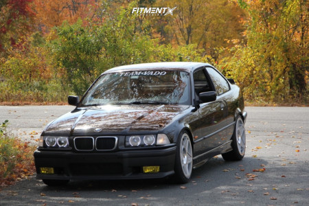 1997 BMW 328is - 18x8.5 35mm - 3SDM 0.05 - Coilovers - 225/40R18