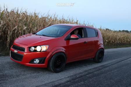 2013 Chevrolet Sonic - 17x9.5 32mm - Jnc Jnc005 - Stock Suspension - 225/45R17