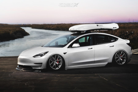 2018 Tesla 3 - 19x9.5 40mm - BBS Ci-r - Air Suspension - 255/35R19