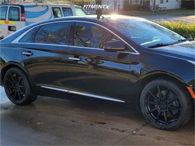 2016 Cadillac XTS - 19x8.5 35mm - Niche Essen - Stock Suspension - 255/40R19