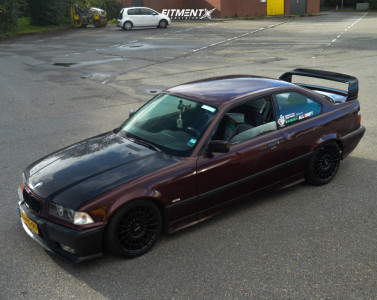 1998 BMW 318is - 17x8 35mm - Rotiform Las-r - Coilovers - 195/40R17
