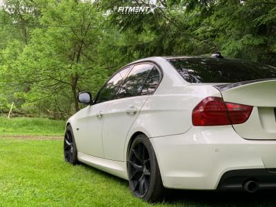 2011 BMW 335i xDrive - 18x8.5 30mm - ESR Rf2 - Stock Suspension - 235/40R18