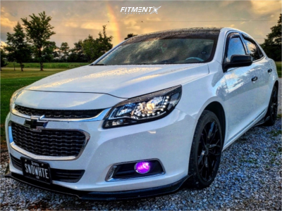 2016 Chevrolet Malibu Limited - 18x8 40mm - Helo He907 - Stock Suspension - 235/40R18