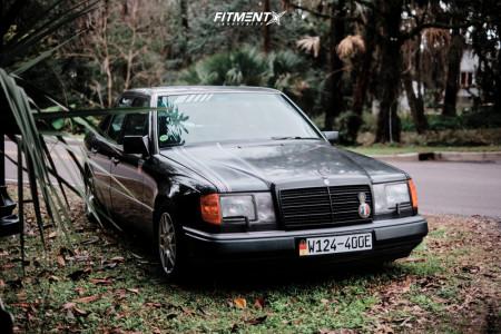1993 Mercedes-Benz 400E - 15x7 35mm - BBS Rz - Lowering Springs - 195/65R15