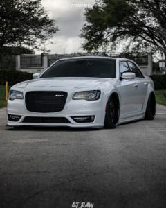 2018 Chrysler 300 - 22x10.5 0mm - Avant Garde F232 - Air Suspension - 255/30R22