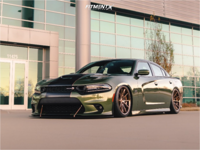 2019 Dodge Charger - 20x10 13mm - Ferrada Cm2 - Air Suspension - 265/35R20