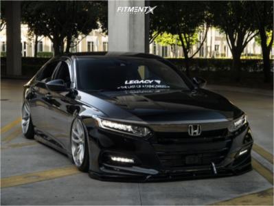 2020 Honda Accord - 22x9.5 22mm - ESR Sr08 - Stock Suspension - 235/30R22