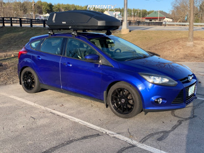 2013 Ford Focus - 17x7 40mm - Tuners D10 - Stock Suspension - 215/50R17