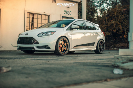 2012 Ford ST - 18x8.5 45mm - Fifteen52 Chicane - Stock Suspension - 245/45R18