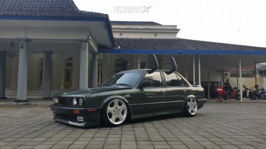 1990 BMW 318i - 17x8.5 13mm - Antera Wheels Model 123 - Air Suspension - 195/40R17