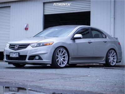 2009 Acura TSX - 19x10 40mm - Niche Essen - Coilovers - 245/35R19