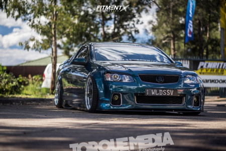 2008 Holden Commodore - 19x9.5 18mm - Work Gt5 - Air Suspension - 245/35R19
