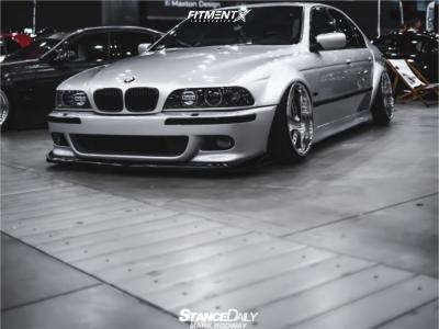2000 BMW 528i - 19x10.75 -8mm - Leon Hardiritt Ordens - Air Suspension - 235/35R19