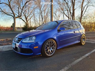 2008 Volkswagen R32 - 18x8.5 45mm - VMR V710 - Lowering Springs - 235/40R18