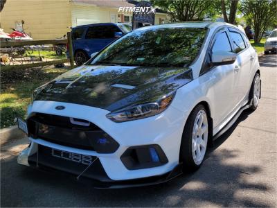 2017 Ford Focus - 19x8.5 42mm - Rotiform Kb1 - Stock Suspension - 235/35R19