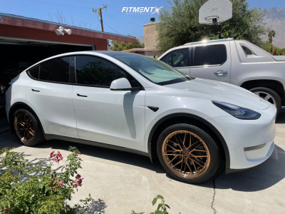 2020 Tesla Y - 20x9 35mm - XXR 571 - Stock Suspension - 255/40R20