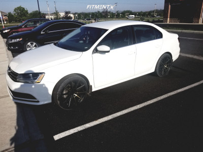 2017 Volkswagen Jetta - 18x8.5 35mm - XXR 567 - Stock Suspension - 225/25R18