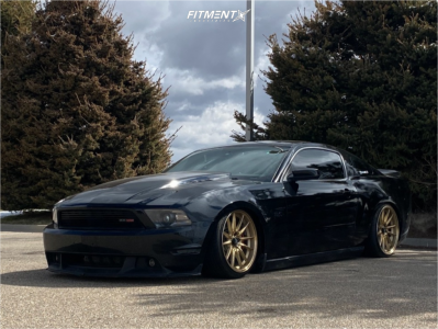 2012 Ford Mustang - 19x9.5 22mm - Cosmis Racing R1 - Coilovers - 225/35R19