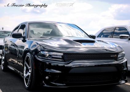 2018 Dodge Charger - 22x9.5 15mm - Ferrada Fr3 - Stock Suspension - 265/30R22