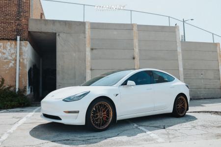 2019 Tesla 3 - 20x9 35mm - XXR 571 - Stock Suspension - 255/35R20