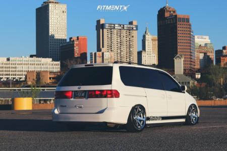 2001 Honda Odyssey - 20x9.5 25mm - Ferrada Fr1 - Air Suspension - 245/35R20