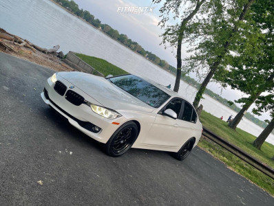 2014 BMW 335i xDrive - 19x8.5 30mm - ESR Sr01 - Stock Suspension - 245/40R19