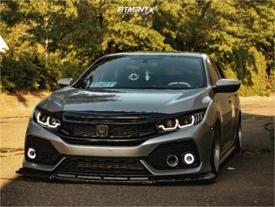 2017 Honda Civic - 18x8.5 35mm - Revolve Apvd No 0520 - Air Suspension - 225/40R18
