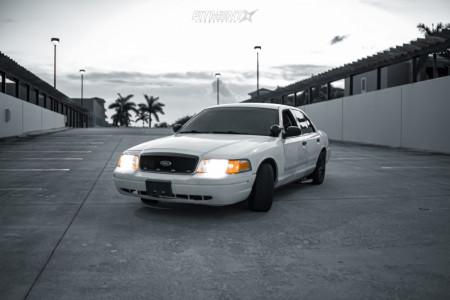 2005 Ford Crown Victoria - 17x8 45mm - Platinum Retribution - Stock Suspension - 245/40R17