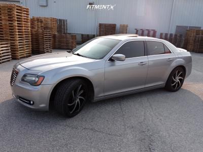 2013 Chrysler 300 - 20x8.5 15mm - Massiv 920 - Stock Suspension - 245/45R20