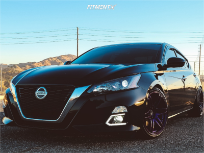 2019 Nissan Altima - 18x8.5 22mm - Cosmis Racing Mrii - Coilovers - 225/40R18