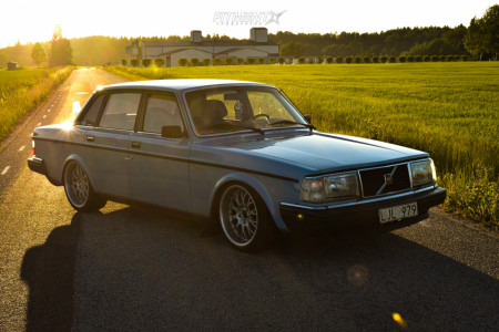 1983 Volvo 244 - 18x8.5 13mm - Rondell 0058 - Coilovers - 215/40R18