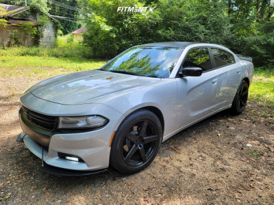 2019 Dodge Charger - 20x8.5 15mm - Ravetti M13 - Stock Suspension - 245/50R20