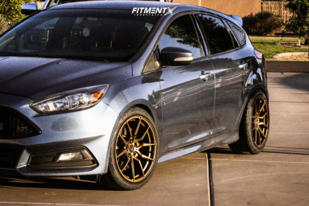 2018 Ford Focus - 18x9.5 35mm - Option Lab R716 - Coilovers - 235/40R18