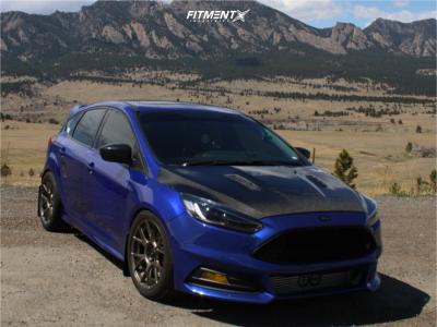 2014 Ford Focus - 18x8.5 43mm - Konig Ampliform - Coilovers - 255/35R18