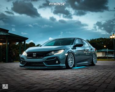 2020 Honda Civic - 18x9 35mm - Rotiform Rse - Air Suspension - 225/40R18