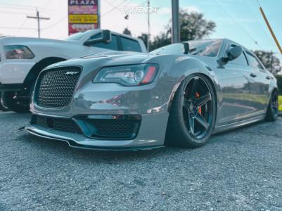 2012 Chrysler 300 - 20x9.5 15mm - American Racing Hellion - Air Suspension - 275/40R20