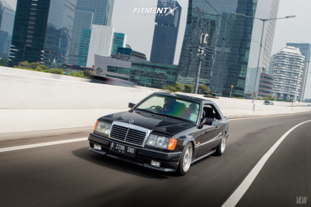 1992 Mercedes-Benz 300CE - 17x8 40mm - OZ Racing Futura - Lowering Springs - 225/40R17