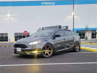 2015 Ford Focus - 18x8.5 35mm - 9SiX9 Six-1 - Coilovers - 225/40R18