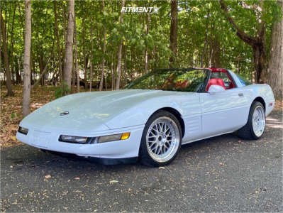 1989 Chevrolet Corvette - 18x8.5 30mm - ESR Sr01 - Stock Suspension - 225/40R18